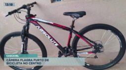 Câmera flagra furto de bicicleta no Centro de Cascavel