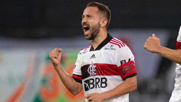Éverton Ribeiro exalta marca pelo Flamengo na Libertadores