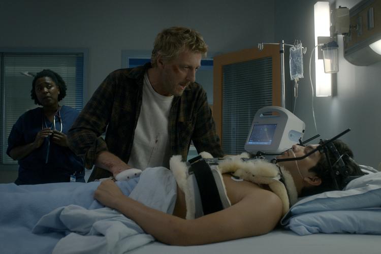 Cobra Kai divulga imagens da terceira temporada