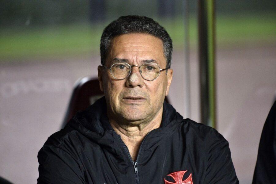 """Luxemburgo elogia postura do Vasco e reforça discurso do """"não acabou"""""""
