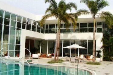 Veja fotos da mansão da Xuxa que está a venda por R$ 45 milhões