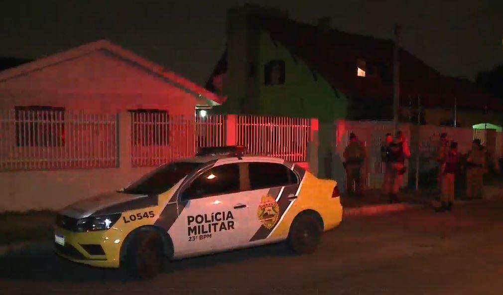 Homem é morto após ser chamado na frente de casa no Fazendinha
