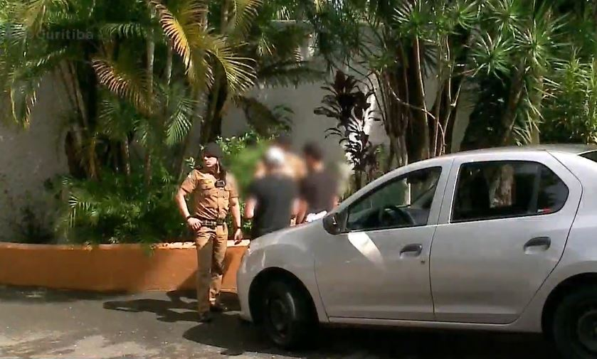 """Motorista refém durante crime contra gerente de banco revela detalhes: """"Se você parar eu mato você"""""""