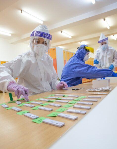 Paraná registra mais de 280 mil infectados pelo coronavírus