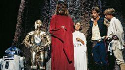 Ator de C-3PO compara especial de Natal de Star Wars com funeral