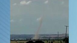 Tornado assusta moradores no interior do Paraná