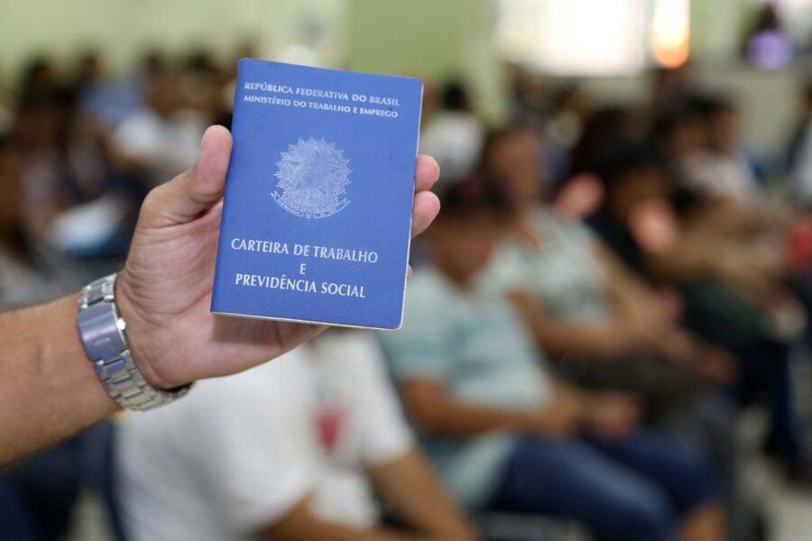 Paraná abre 29,8 mil vagas de emprego em novembro