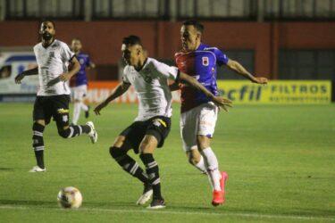 Paraná perde para o Figueirense e fica a um ponto da ZR