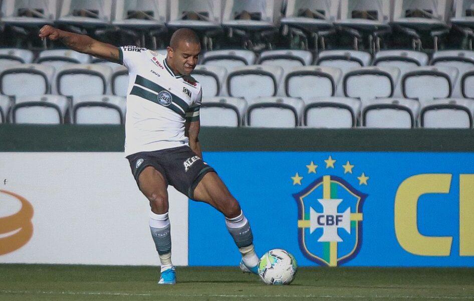 William Matheus é liberado e não joga mais pelo Coritiba