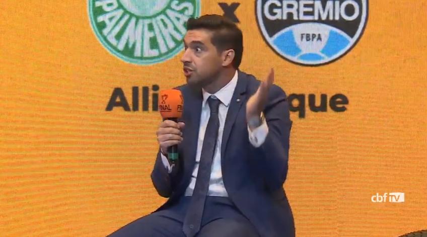"""Abel Ferreira minimiza vantagem de decidir final em casa: """"Sem torcida, para mim é igual"""""""