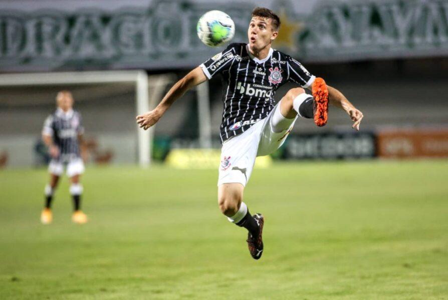 Gabriel Menino lidera ranking de passes para finalização entre os jogadores sub-21 do Brasileirão