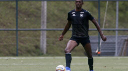 Kanu desperta interesse do Cruz Azul e pode deixar o Botafogo por empréstimo