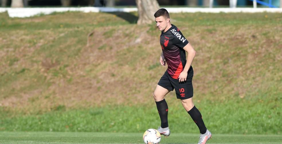 Ceará x Athletico: onde assistir, escalações e arbitragem