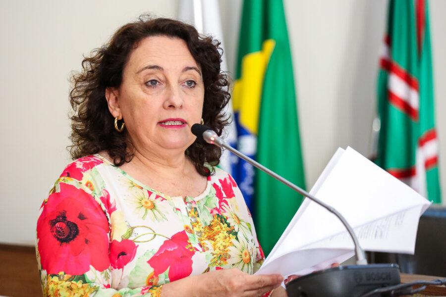 Vereadora do PT ligada a sindicato dos professores apoia mulher de Francischini para mesa da Câmara