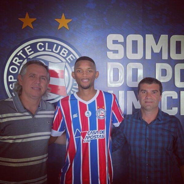 Ex-Botafogo, zagueiro Wesley acerta com o Bahia