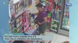 Mulher furta Kinder Ovo e é pega pelas câmeras de segurança