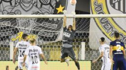 João Paulo celebra bom momento e exalta tradição do Santos na Libertadores