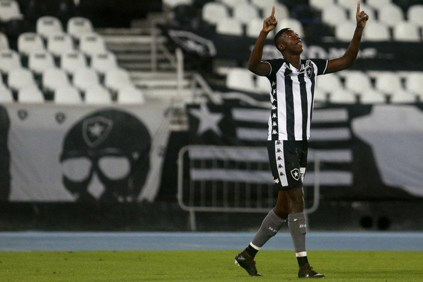 Matheus Babi recebe proposta de clube português e pode deixar o Botafogo