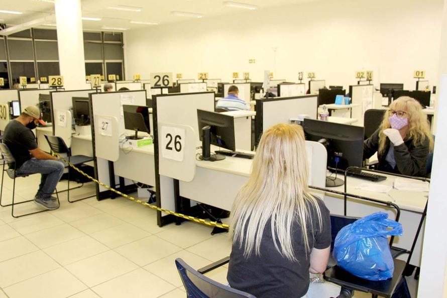 Agência do Trabalhador de Curitiba oferece 61 vagas de emprego