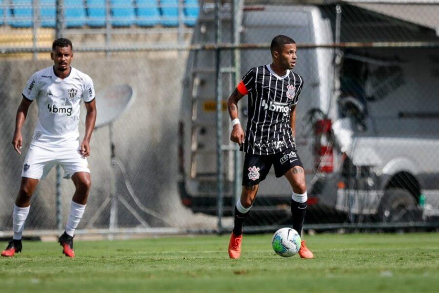 Atlético-MG bate o Corinthians nos pênaltis e encara o Furacão na final da competição