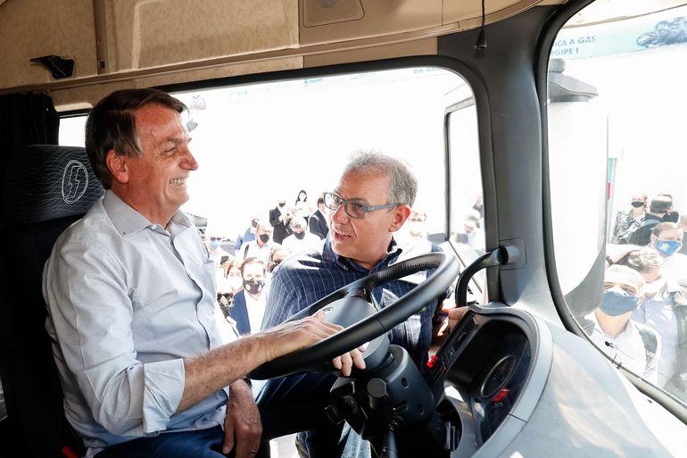 Apesar do apelo de Bolsonaro, caminhoneiros mantêm paralisação nesta segunda-feira