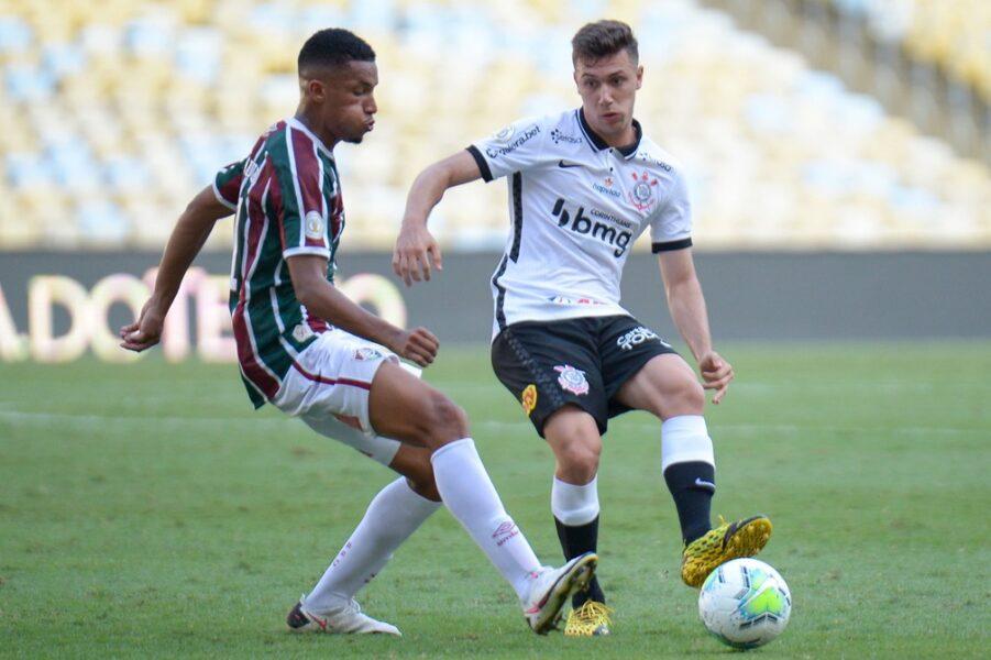 De olho na Libertadores, Corinthians tem chance de reduzir distância para o Fluminense