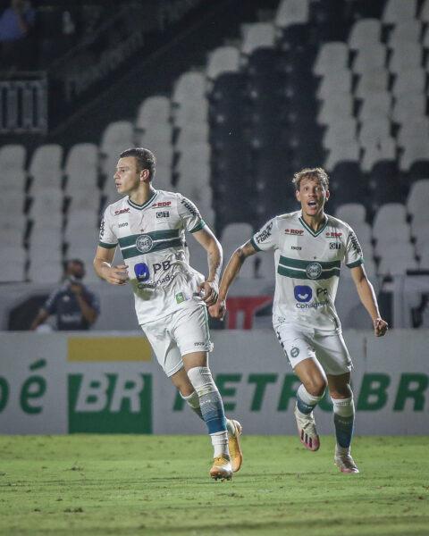 Coritiba derrota o Vasco por 1×0 e deixa a lanterna do Brasileirão
