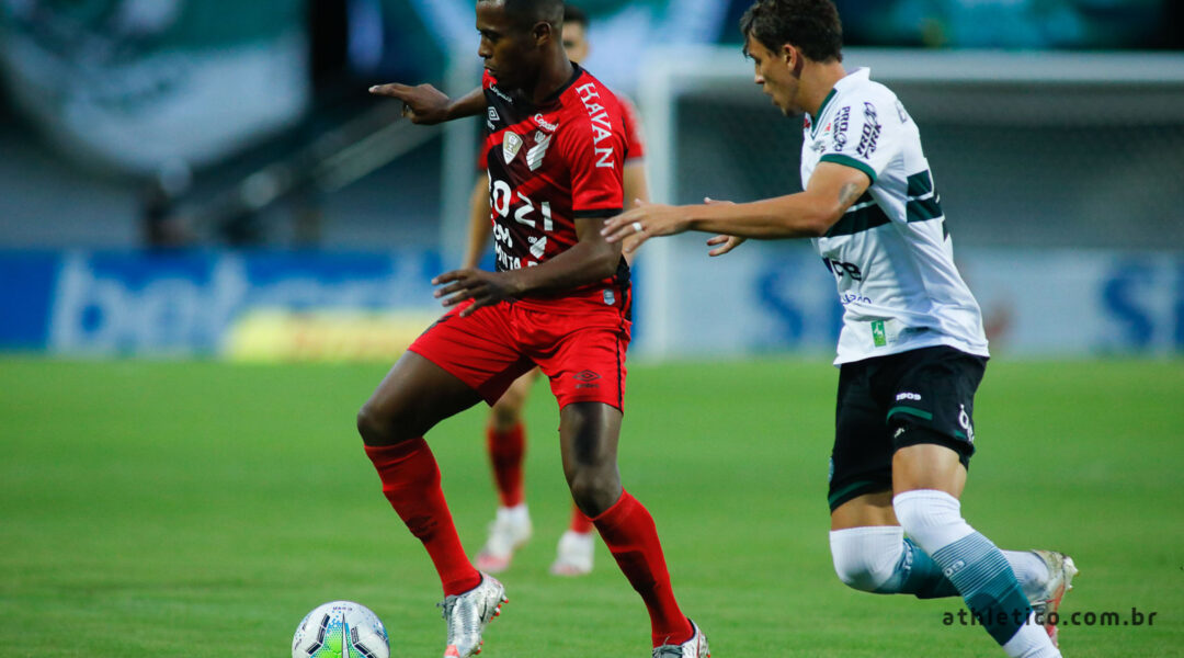 No clássico, Coritiba e Athletico ficam no empate sem gols