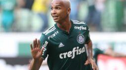 Deyverson usa redes sociais para provocar Corinthians após Derby