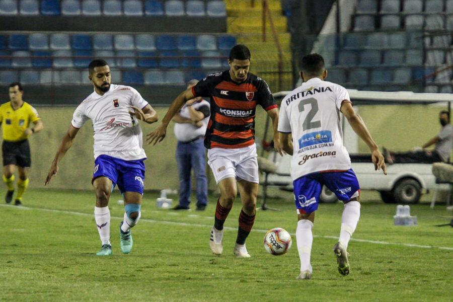 Paraná perde para o Oeste e está rebaixado à Série C do Campeonato Brasileiro