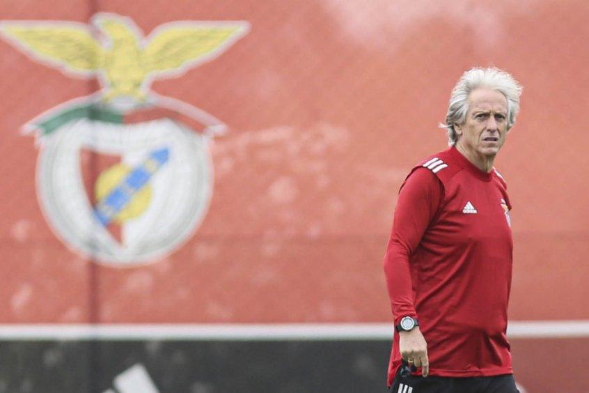 Benfica avança para a contratação do volante William Carvalho