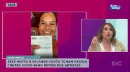 Zezé Motta e Solange Couto tomam vacina contra covid-19 no retiro dos artistas