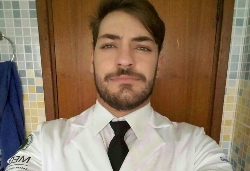 """Amigos prestam homenagem a médico vítima da Covid: """"Jovem fora das estatísticas"""""""