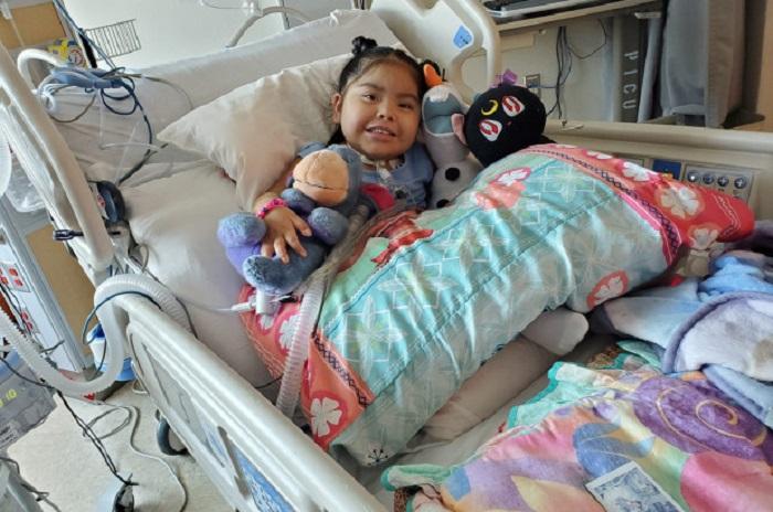 Menina de 4 anos fica paralisada após contrair Covid-19