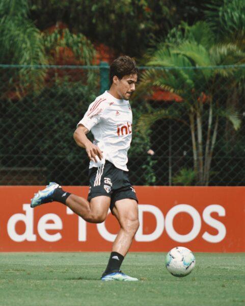Precisando voltar a vencer, São Paulo treina na Barra Funda; veja provável escalação