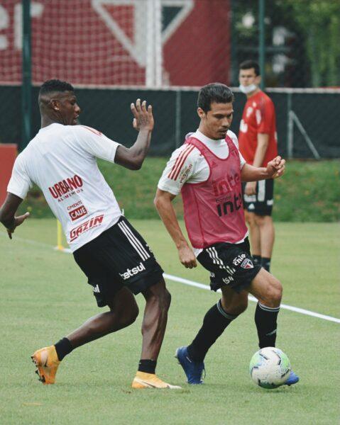 Com Sara e Hernanes, São Paulo inicia preparação para enfrentar o Atlético-GO