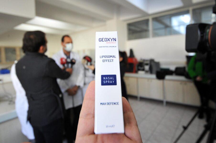 Pesquisadores desenvolvem spray nasal que promete matar coronavírus em um minuto