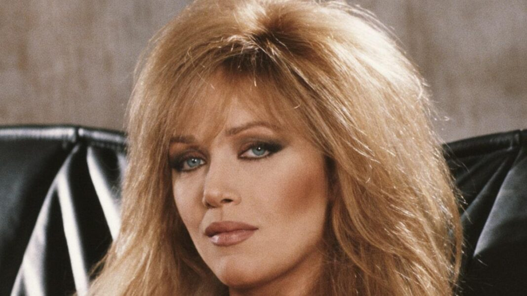 Tanya Roberts de As Panteras e 007, morre aos 65 anos