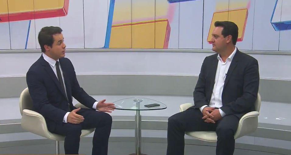 """""""Somos referência nacional"""", declara Ratinho Junior sobre logística da vacinação"""