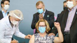 Acompanhe o início da vacinação em todo Paraná