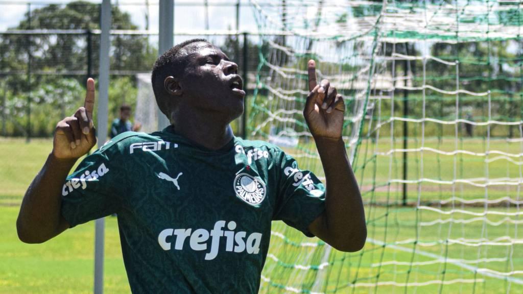 Palmeiras sub-20 empata em amistoso com time principal do Always Ready, campeão boliviano