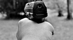 Jovem é baleado na frente de casa em Mandaguaçu