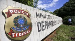 PF apreende caminhão com 154 kg de crack em Maringá