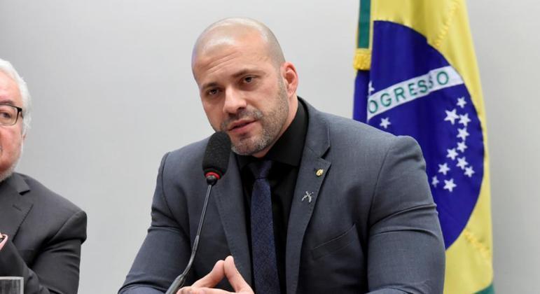Deputado Daniel Silveira é preso pelo STF