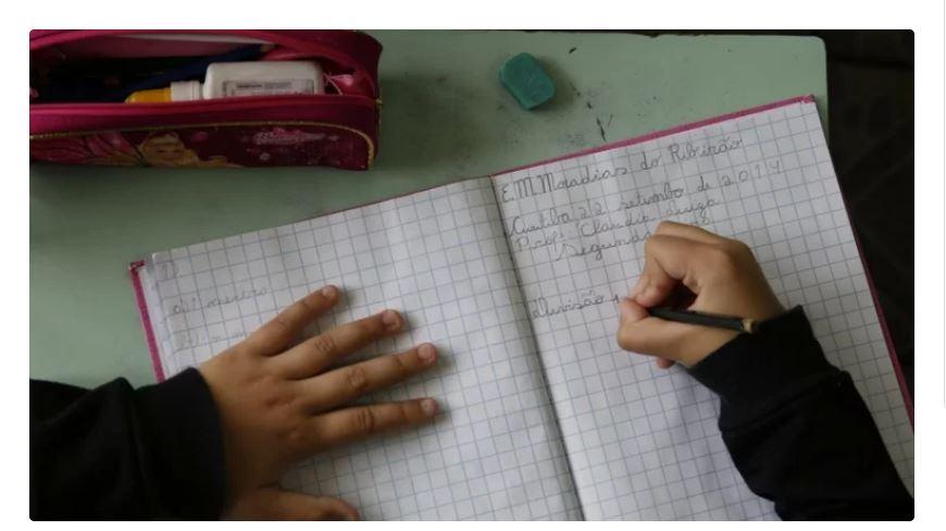 Vereadores de Curitiba aprovam educação como serviço essencial