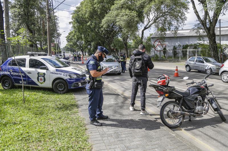GM flagra mais de 600 irregularidades com documento obrigatório para dirigir