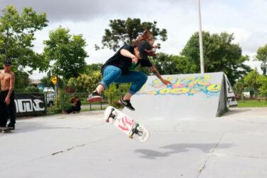 Dez paranaenses se tornam profissionais do skate