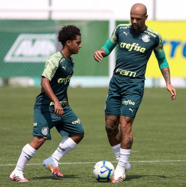 Filho de Felipe Melo anuncia saída do Palmeiras