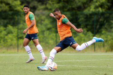 Fluminense tenta a manutenção do atacante Caio Paulista