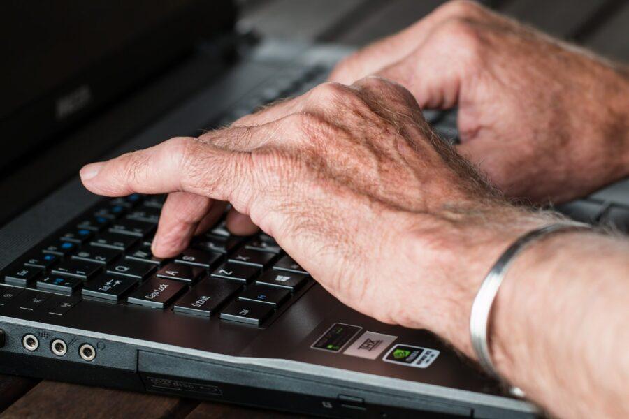 Aposentados e pensionistas contam com novo menu de serviços